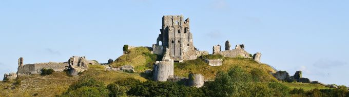 5 castele medievale - Corfe-Castle