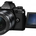 Lansări de aparate foto – Olympus, Samsung, Nikon