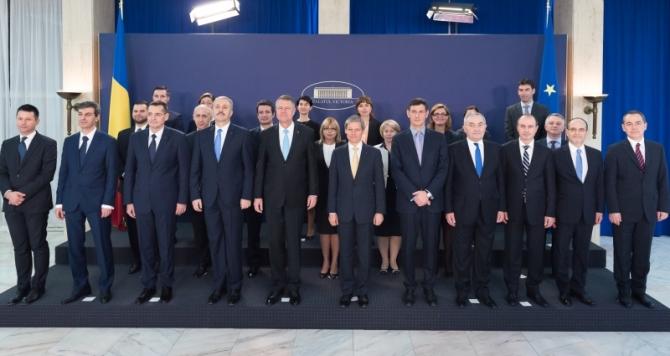Tehnocraţia îngroapă România