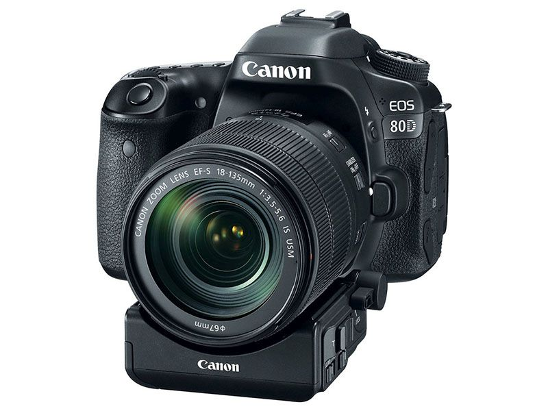 Conon 80D cu power zoom