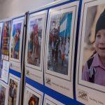 """""""Oameni și măști"""" - expoziție de fotografie la Reșița"""