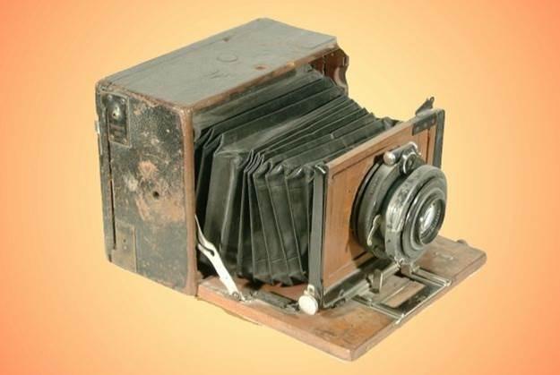 Samoilă Mârza - aparat de fotografiat