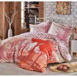 Cum alegem cele mai bune lenjerii de pat pentru sezonul estival