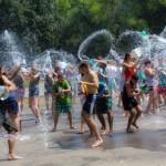 Soare + Vacanţă + Copii = Water Fight !